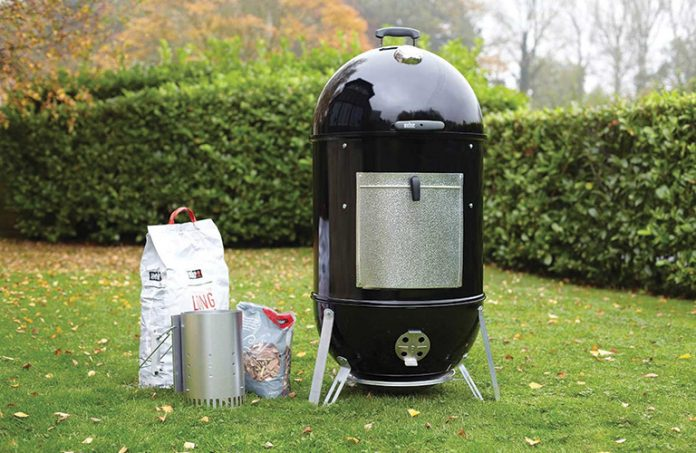 Weber Smoky Mountain >> Tested Weber 72100 18 Charcoal Smoker Review America S Favorite