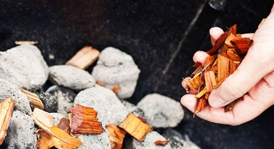 How to use smoker chips: