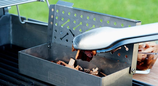 How to use smoker chips: Wood Chips - How Often Do I Change Them?