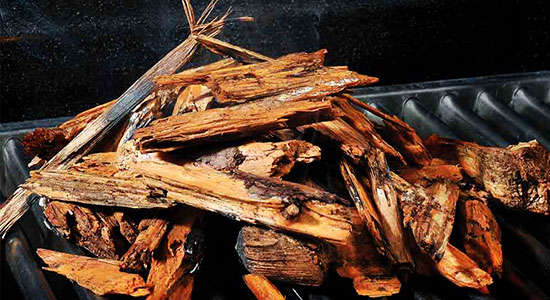 How to use smoker chips: What Kind of Wood to Smoke Ribs?