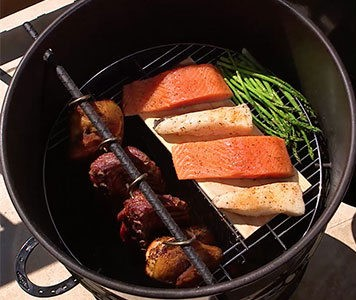 pit barrel cooker package review: grill grate